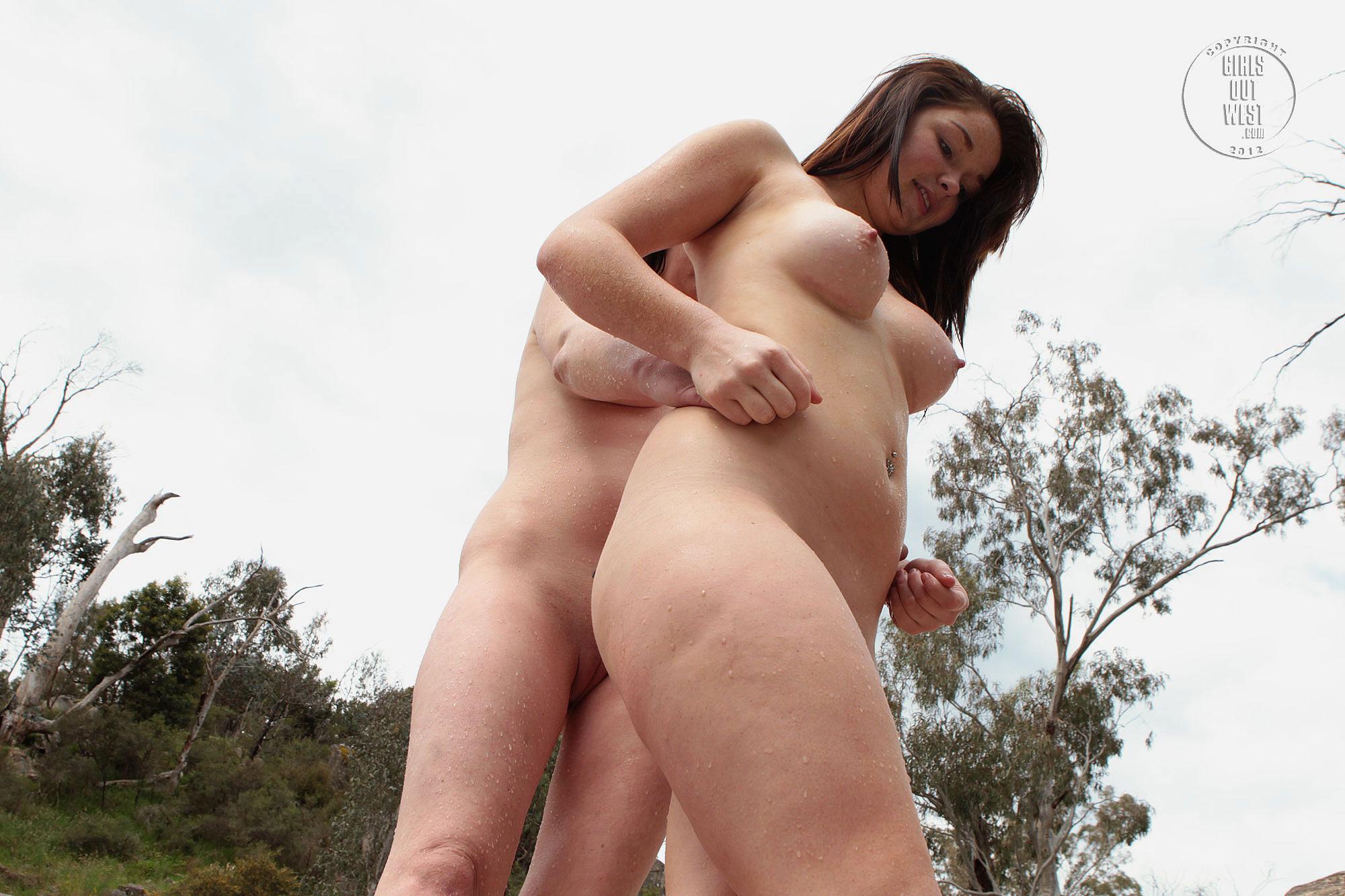 Nude girls sucking pussys